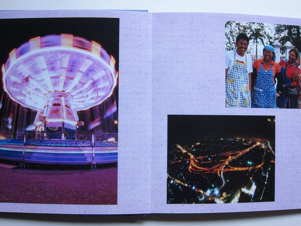 Aufgeschlagen liegt das Fotobuch ganz flach